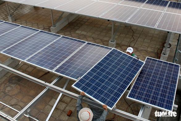 Phút thứ 89 của chính sách, dự án điện mặt trời tăng khủng - Ảnh 1.