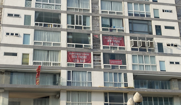 Vũng Tàu: Mới ngày đầu năm, dân chung cư Sơn Thịnh đã treo băngrôn tố chủ đầu tư - Ảnh 2.