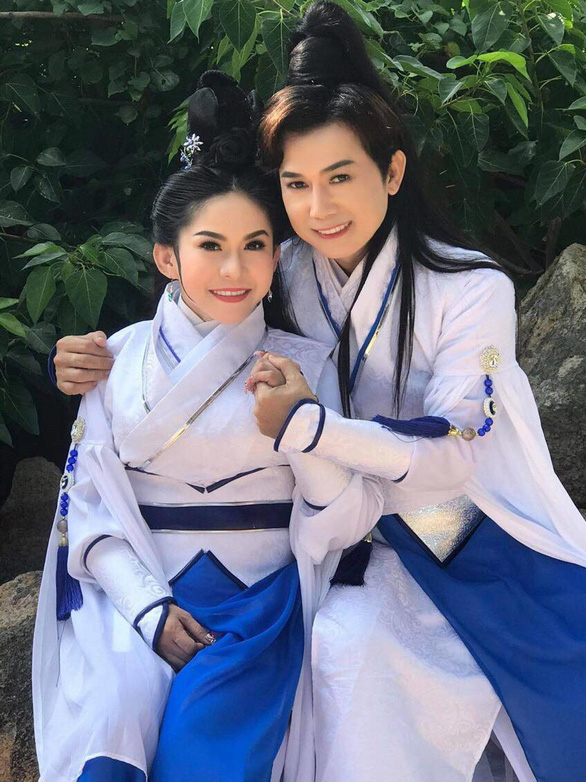 Bình Tinh giới thiệu phim video cải lương Cô gái Đồ Long - Ảnh 1.