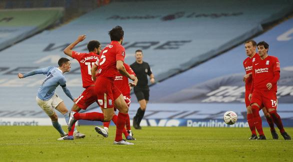 Man City và Chelsea dễ dàng ghi tên vào vòng 4 Cúp FA - Ảnh 2.