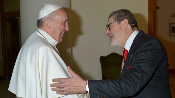 ارائه دهنده خدمات بهداشتی پاپا در اثر COVID-19 درگذشت - عکس 1.