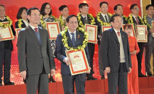 HDBank lọt vào top 50 doanh nghiệp xuất sắc nhất Việt Nam 2020 - Ảnh 1.