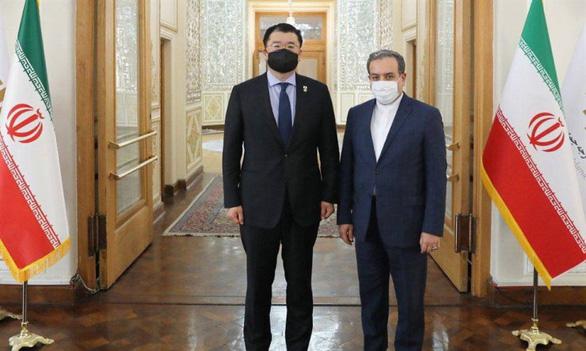 ایران از کره جنوبی به دلیل بازداشت تهران به خاطر 7 میلیارد دلار انتقاد می کند - عکس 1.