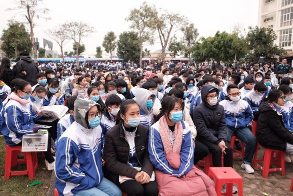 Tư vấn tuyển sinh ở Thanh Hóa: Muốn vào ngành hot, chuẩn bị học phí và học cật lực - Ảnh 2.