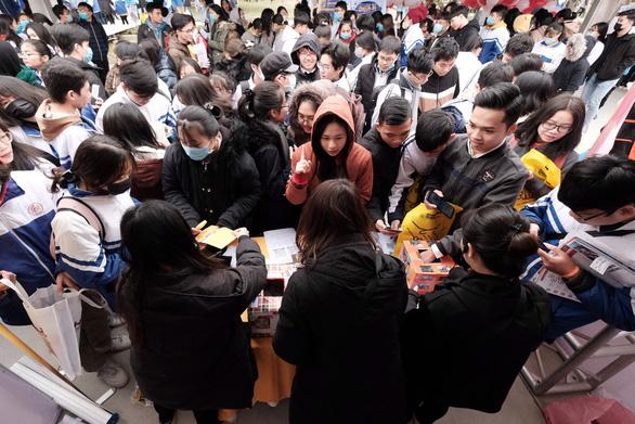 Tư vấn tuyển sinh ở Thanh Hóa: Muốn vào ngành hot, chuẩn bị học phí và học cật lực - Ảnh 6.