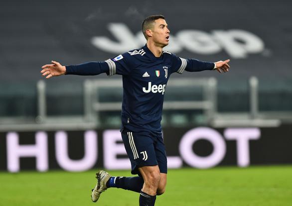 Ronaldo chuộc lỗi với bàn thắng phút 90+2 giúp Juve giành 3 điểm - Ảnh 4.