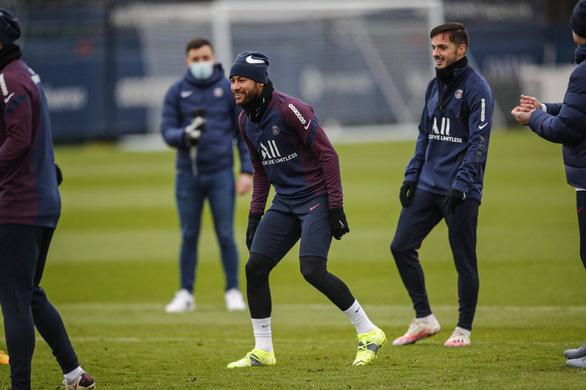 Điểm tin thể thao tối 11-1: Premier League đổi lịch hàng loạt trận, Neymar trở lại tập luyện - Ảnh 2.