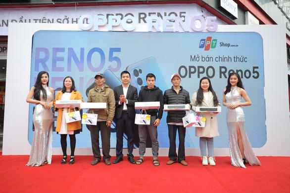OPPO Reno5 chính thức có mặt tại các hệ thống bán lẻ toàn quốc - Ảnh 1.