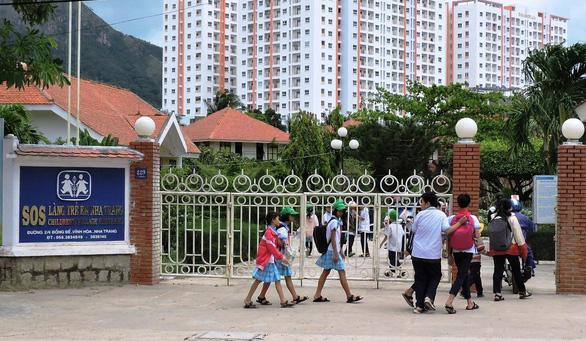 Làng SOS Nha Trang thiếu kinh phí hỗ trợ học sinh mồ côi - Ảnh 1.