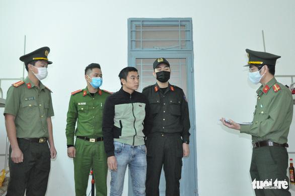 Khởi tố 2 lái xe chở 4 người Trung Quốc nhập cảnh trái phép - Ảnh 1.