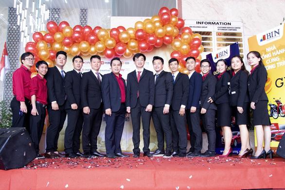 Doanh nghiệp tại TP.HCM thưởng tết xe Mazda 6 cho nhân viên xuất sắc - Ảnh 3.