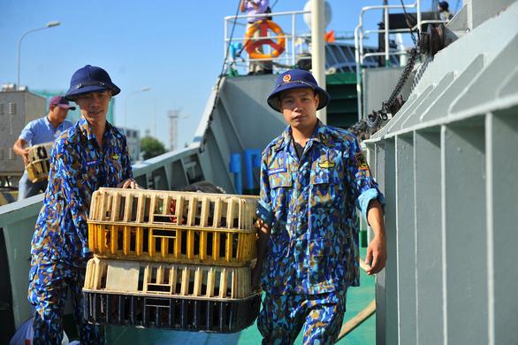 Vùng 2 Hải quân chuẩn bị quà đi chúc tết nhà giàn DK1 và Côn Đảo - Ảnh 3.