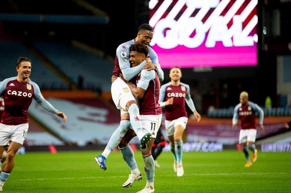 Aston Villa xứng danh thiếu gia mới - Ảnh 1.