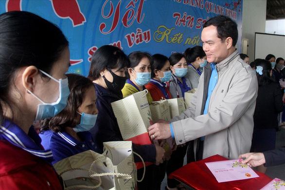Hỗ trợ người lao động khó khăn 1-2 triệu đồng dịp Tết Nguyên đán 2021 - Ảnh 1.