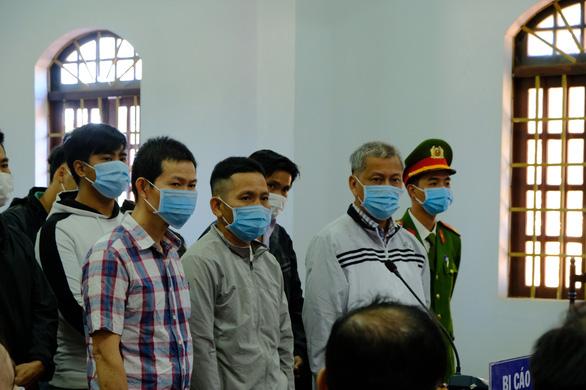 Một bị cáo nghi bị bệnh tâm thần, hoãn phiên tòa xử đại gia Trịnh Sướng - Ảnh 2.