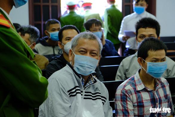Một bị cáo nghi bị bệnh tâm thần, hoãn phiên tòa xử đại gia Trịnh Sướng - Ảnh 1.