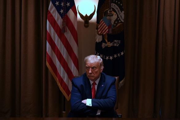 آخرین روزهای غمگین در کاخ سفید - تصویر 1.