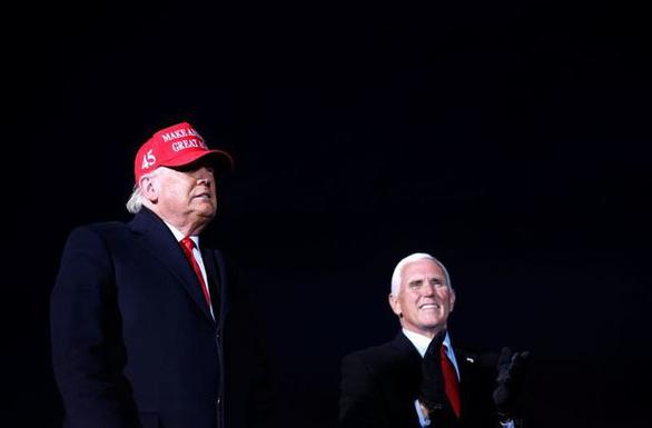Ông Pence đã hết giận, nói chuyện lại với ông Trump? - Ảnh 1.