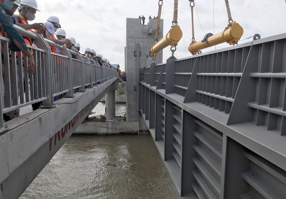 Dự án chống ngập 10.000 tỉ: Yêu cầu chủ đầu tư đảm bảo an toàn đường thủy - Ảnh 1.