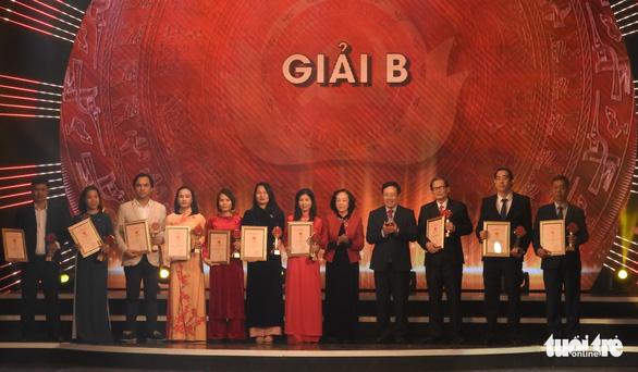 Giải đặc biệt Búa liềm vàng: Việt Nam thời đại Hồ Chí Minh - biên niên sử truyền hình - Ảnh 3.