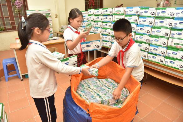 Cuộc thi Cùng bé thu gom vỏ hộp giấy giúp tăng gấp đôi việc thu gom - Ảnh 3.