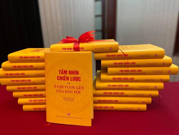 Ra mắt sách những bài viết của Tổng bí thư, Chủ tịch nước Nguyễn Phú Trọng về Đại hội Đảng XIII - Ảnh 2.