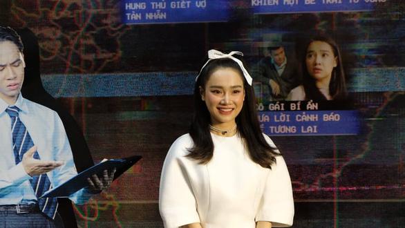 Nhã Phương khóc khi họp báo giới thiệu phim Song song - Ảnh 3.