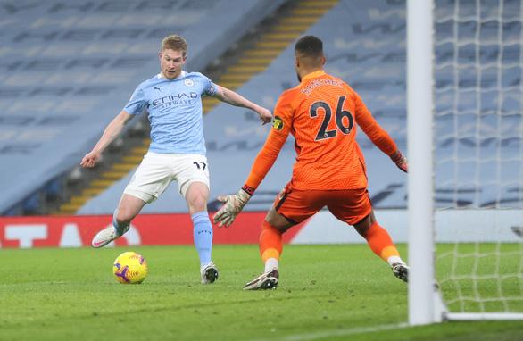 Đá bại Brighton, Man City gia tăng sức ép lên Liverpool và Man Utd - Ảnh 1.