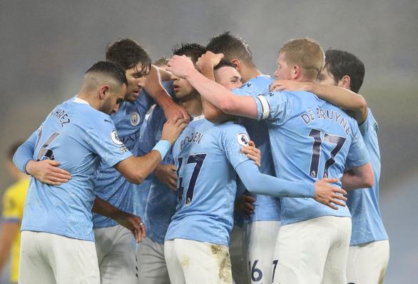 Đá bại Brighton, Man City gia tăng sức ép lên Liverpool và Man Utd - Ảnh 2.