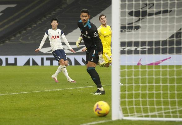 Không thắng nổi Fulham, Tottenham lỡ cơ hội vào Top 3 - Ảnh 2.