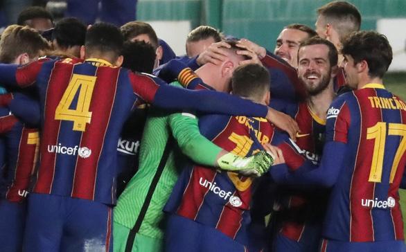 Điểm tin thể thao sáng 14-1: Ter Stegen đưa Barca vào chung kết Siêu cúp Tây Ban nha - Ảnh 1.