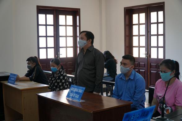 Kẻ chủ mưu vụ tra tấn cô gái có bầu đến sảy thai đối diện mức án từ 27 đến 30 năm tù - Ảnh 1.