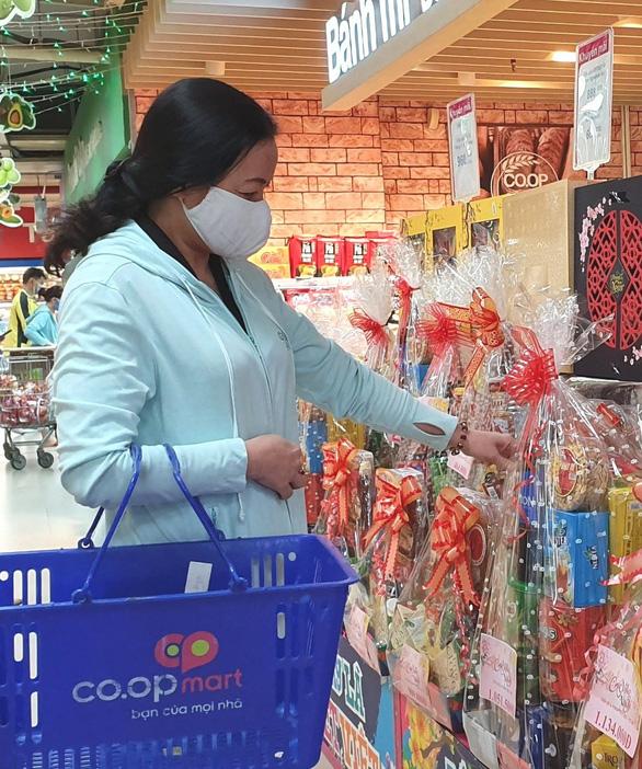 Hệ thống siêu thị Co.opmart, Co.opXtra bắt đầu nhận giao giỏ quà Tết miễn phí toàn quốc - Ảnh 1.