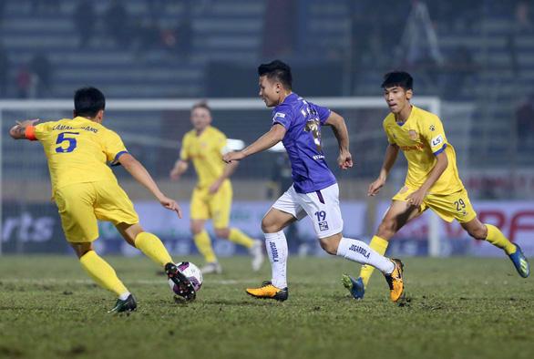 CLB Hà Nội thua đậm Nam Định ở trận khai mạc V-League 2021 - Ảnh 2.