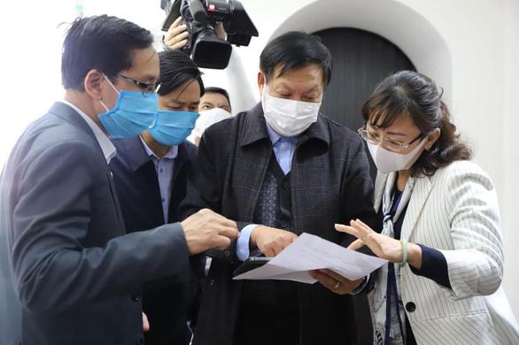 Thêm 5 ca mắc COVID-19 mới, Bộ Y tế kiểm tra chống dịch tại cửa khẩu - Ảnh 1.