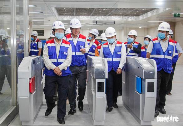 Giao mặt bằng metro Bến Thành - Tham Lương sớm, dân được mời thăm ga Nhà hát thành phố - Ảnh 2.