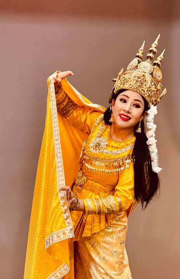 Võ Minh Lâm đóng cặp cùng ba cô đào trong Nàng Xê Đa - Ảnh 2.