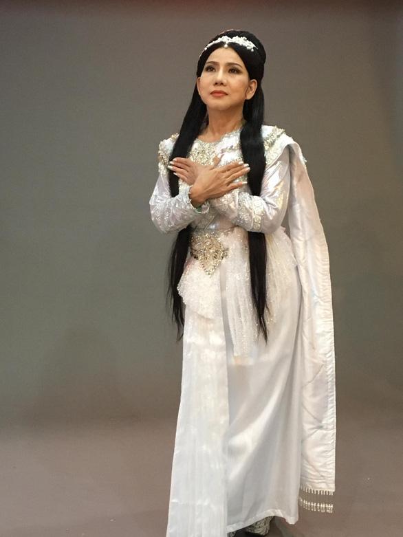 Võ Minh Lâm đóng cặp cùng ba cô đào trong Nàng Xê Đa - Ảnh 3.