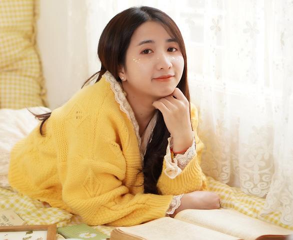 Cô gái thiết kế đồ họa mê sử Việt - Ảnh 1.