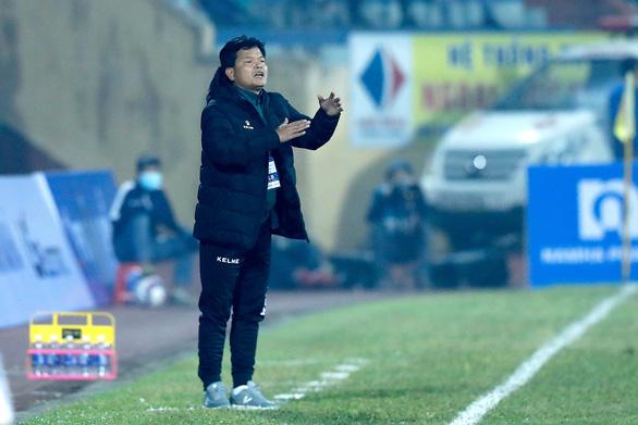 V-League 2021: Nhờ đâu chủ nhà Nam Định tạo nên cơn 'địa chấn' trước CLB Hà Nội? - Ảnh 3.