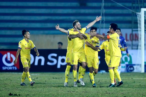 V-League 2021: Nhờ đâu chủ nhà Nam Định tạo nên cơn 'địa chấn' trước CLB Hà Nội? - Ảnh 1.