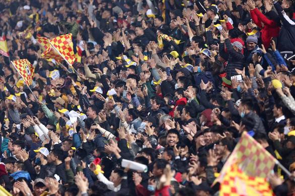 Bóng đá Việt Nam khiến bạn bè quốc tế… choáng váng! - Ảnh 1.