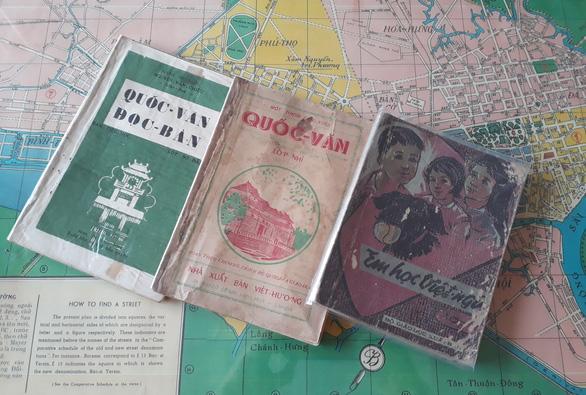 Phía sau những kỳ thư đặc biệt - Kỳ 7: Hồn nước thắm sâu Quốc sử, Quốc văn - Ảnh 1.