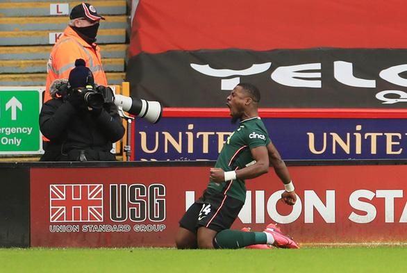 Thắng thuyết phục Sheffield United, Tottenham vào top 4 - Ảnh 1.