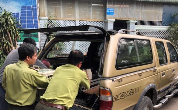 Người dân TP.HCM nơi đàn khỉ đại náo: Mong chúng được đoàn tụ nơi rừng xanh - Ảnh 2.