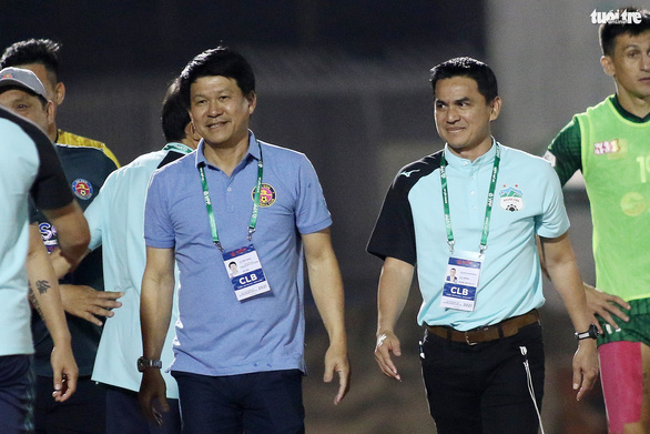 Giành chiến thắng, HLV trưởng CLB Sài Gòn khen HAGL đá đẹp mắt, kỹ thuật - Ảnh 1.