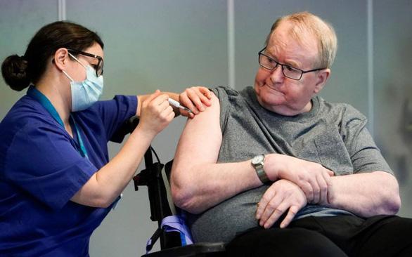 Na Uy phát cảnh báo 23 ca tử vong sau tiêm vắcxin ngừa COVID-19 - Ảnh 1.