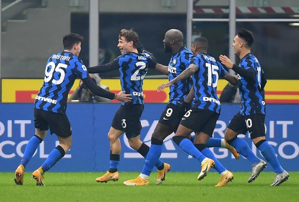 Ronaldo bị từ chối bàn thắng, Juve gục ngã trước Inter Milan - Ảnh 1.