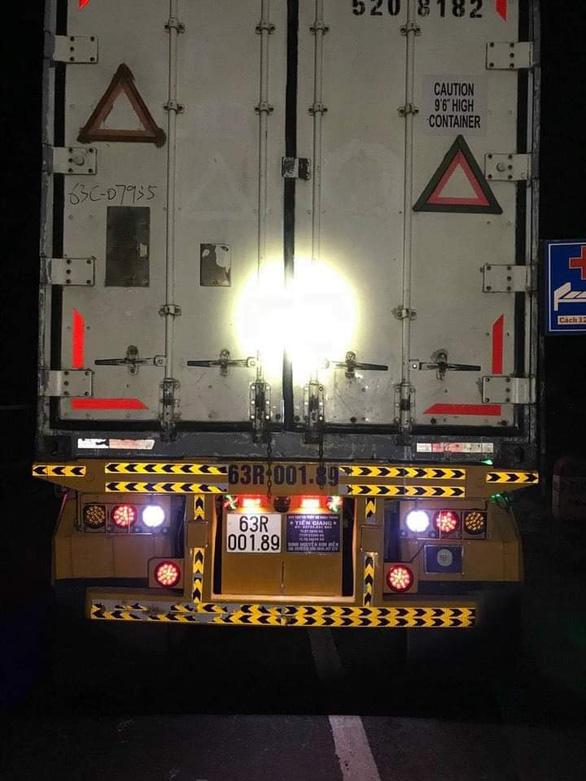 Sau tai nạn, thi thể nạn nhân bị kéo lê dưới gầm xe container khoảng 60km mới phát hiện - Ảnh 2.