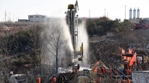 حداقل 12 دستگاه بازکن چینی در زیر زمین زنده مانده اند ، مقامات سعی در پس انداز داشتند - عکس 1.